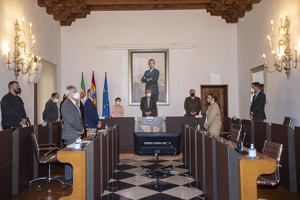 """La Diputación aprueba los pliegos para la contratación de la concesión de la hospedería """"La Serrana"""" de Piornal"""